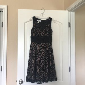 Patra petite formal dress gold and black size 6